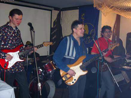 Умка, Наиль Кадыров, Сергей Рыженко участвуют в записях песен группы «Заповедник»